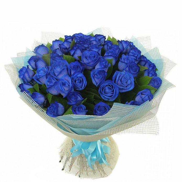 Синие кустовые розы