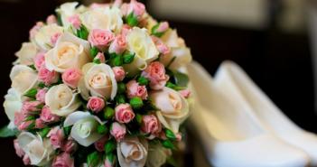 букет невесты с кустовыми розами