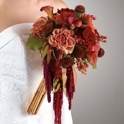 Осенний букет невесты с амарантами
