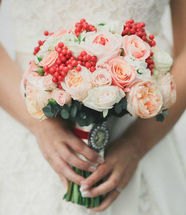Букет невесты с брошью на ножке