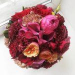 Букет невесты из пионовидных роз с каллами