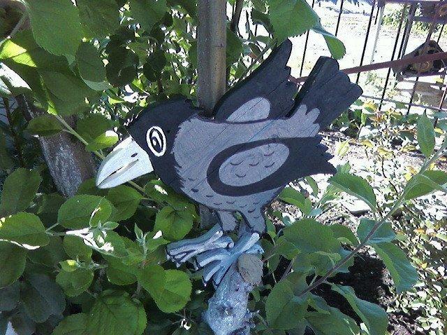 Садовая фигура - ворона