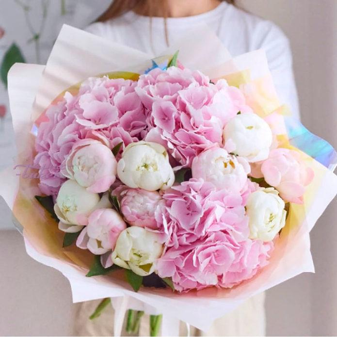 Упаковка свадебного букета невесты