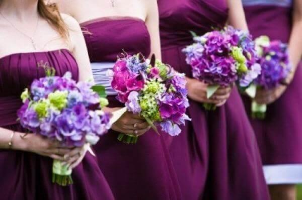 Фиолетовые букеты цветов