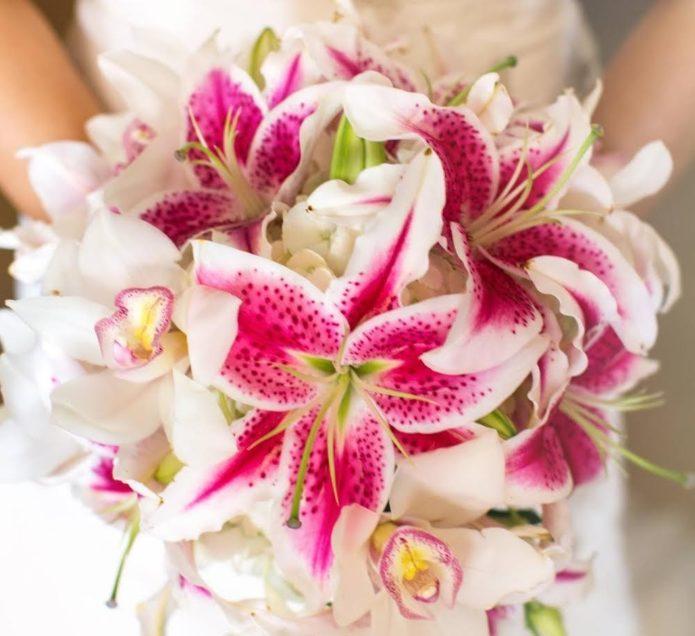 Лилии и орхидеи